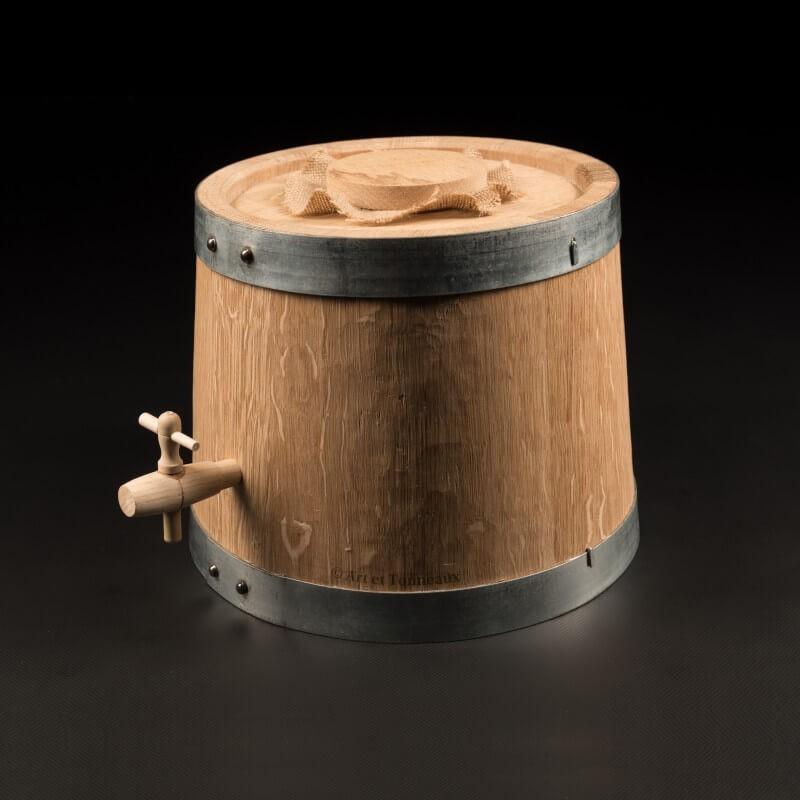 Vinaigrier chêne 6 litres + accessoires